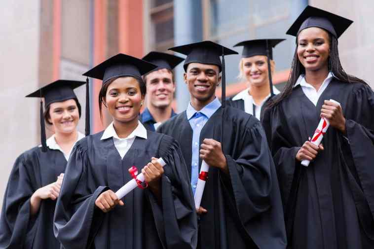 Appel à candidature pour des bourses d'études par la Roumanie7Concours EBAD 2017