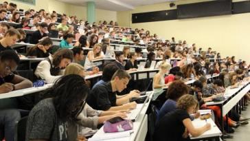 avenir dans l'enseignement supérieur/France-Enseignement supérieur/classement de Shangaï/travail au noir/coût élevé des études supérieures/Enseignement sup/Camille Peugny/master sans redoubler/Du « savoir-faire » au « savoir-être », les étudiants d'aujourd'hui cherchent leur voie autant qu'ils veulent faire entendre leur voix./Demande d'admission/Université/comment passer une bonne année scolaire/études supérieures pour vivre /réorientation des étudiants désorientésplus longtemps/Faire un baccalauréat scientifique/Gouvernement dévoile les nouvelles modalités d'entrée à la fac/Échec à l'université