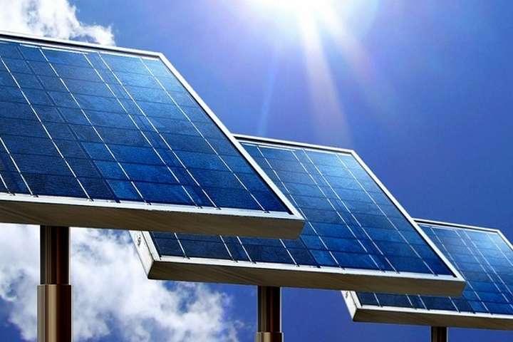 Cleaner solar panel/énergie solaire