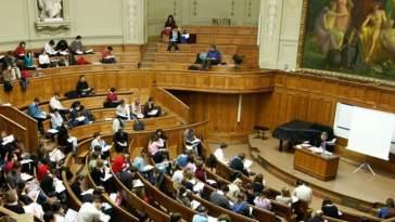 expulsion d'un étudiant algérien
