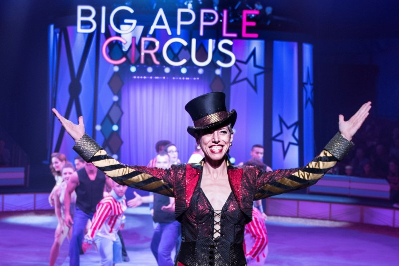 Ringmaster Stephanie Monseu in BIG APPLE CIRCUS (c) Juliana Crawford res