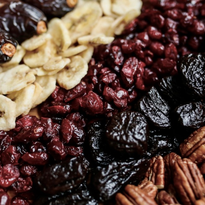 Heart Healthy Snacks nuts and raisins