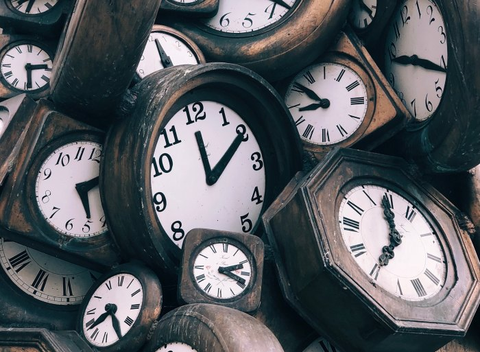 loads of clocks