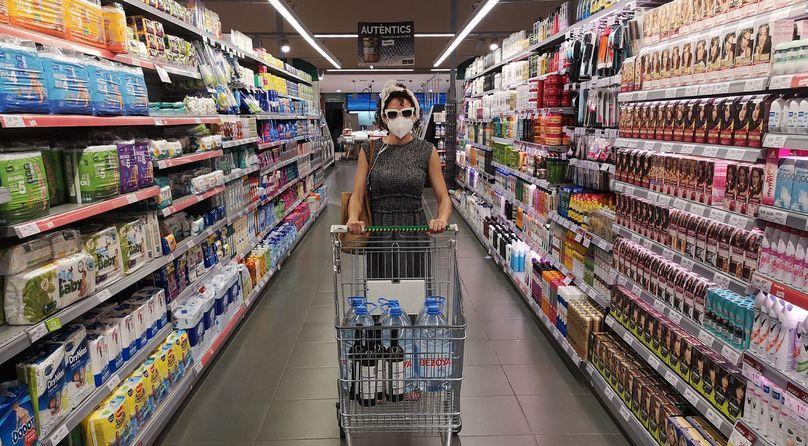 """Crìtiques: """"Audioguia per a supermercats en temps de pandèmia"""" de Cabosanroque, dins del Temporada Alta 2020"""