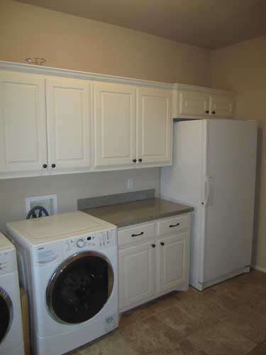 Large laundry room no utility sink