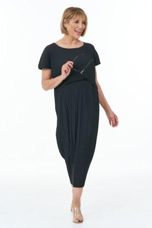 Sleeveless Pleated Waffle Dress in Black