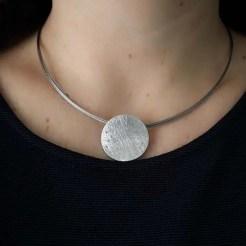 colgante de plata circular
