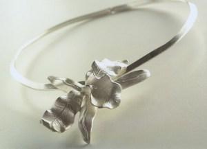Gargantilla orquídea 1
