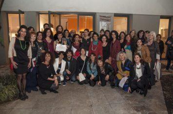 Seleccionados presentes en la inauguración, organizadores y jurado de la Bienal
