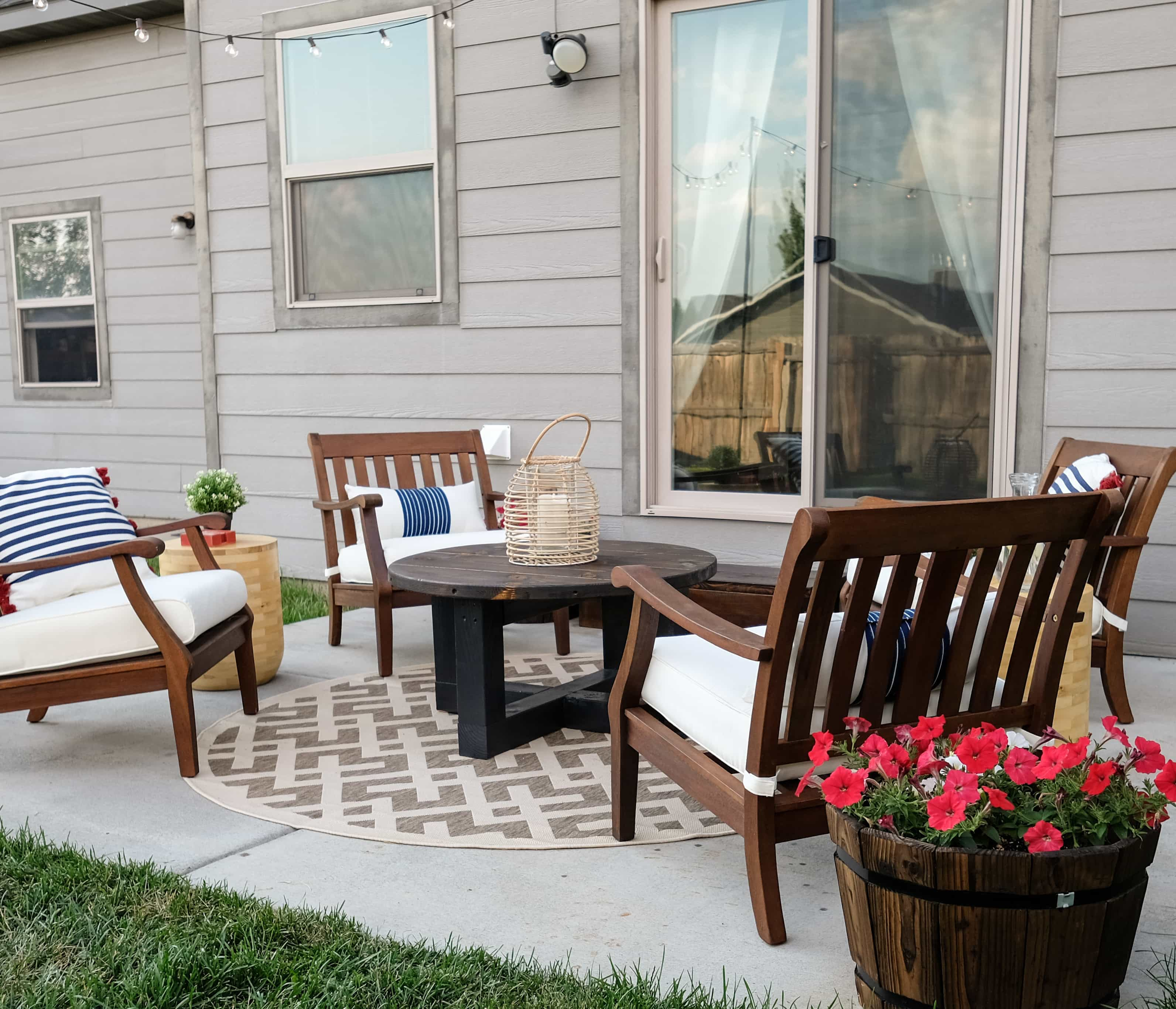 Small Patio Makeover   On A BUdget