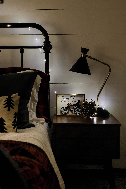 Christmas Lights Tour I Cozy, Christmas Bedroom Interiors I