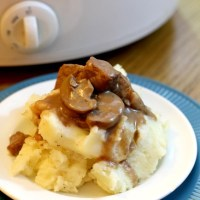 Slow Cooker Beef Tips in Mushroom Gravy
