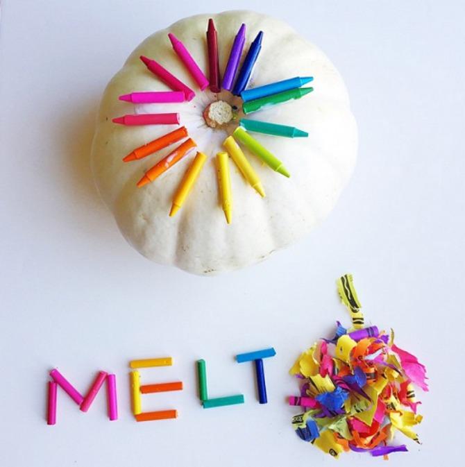 melted crayon pumpkins