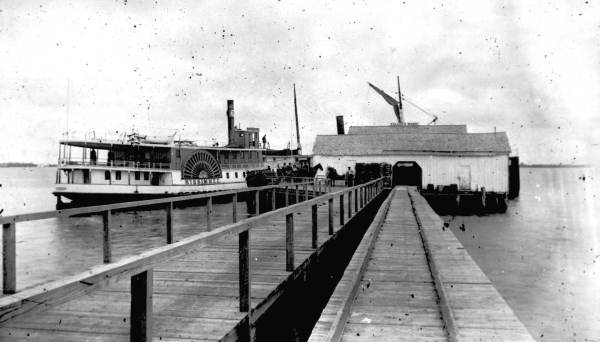 Steamboat Kissimmee at Fuller's Wharf in Ellenton. Florida Archives Collection.
