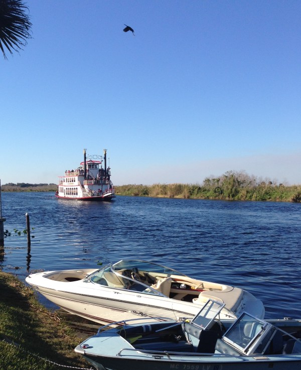 Steamships and pleasure crafts share the St. Johns River.