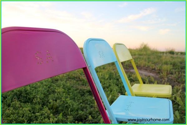 Fun and Colourfjul Metal Chair Makeover by Joy In Our Home  www.joyinourhome.com
