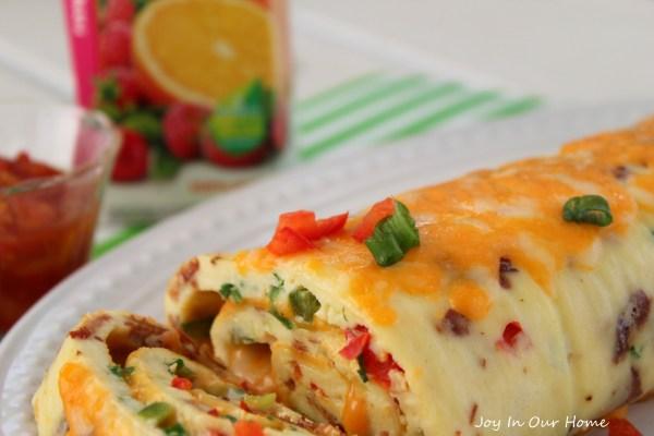 Bacon Omelette Roll from www.joyinourhome.com
