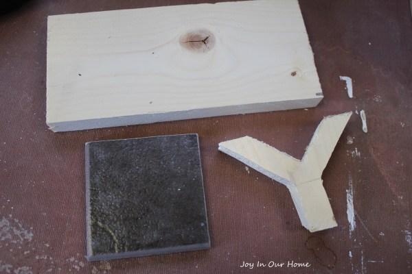 DIY Glue Gun Stand from www.joyinourhome.com