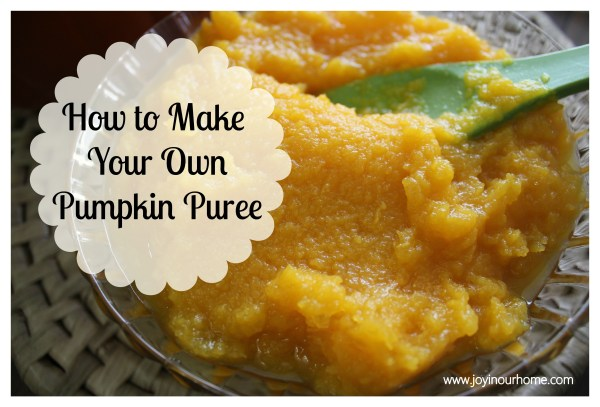 How To Make Your Own Pumpkin Puree at www.joyinourhome.com   (14 Days of Pumpkins)