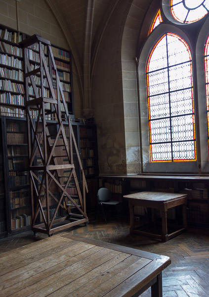 photo of Abbaye du Royaumont, chattering room (now library)