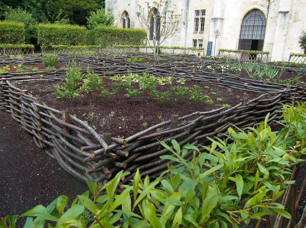 Abbaye du Royaumont, medieval garden