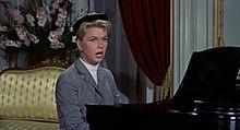 Doris Day singing Que Sera, Sera