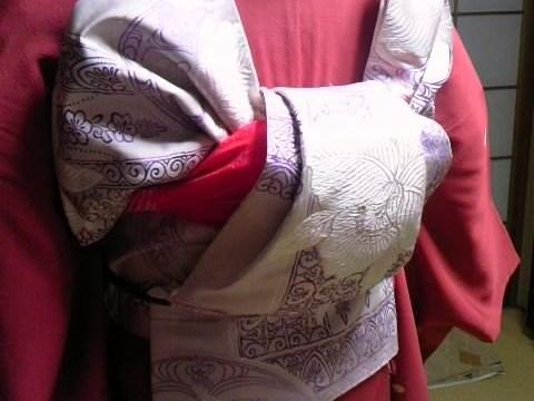 Школа по одеванию традиционной японской одежды