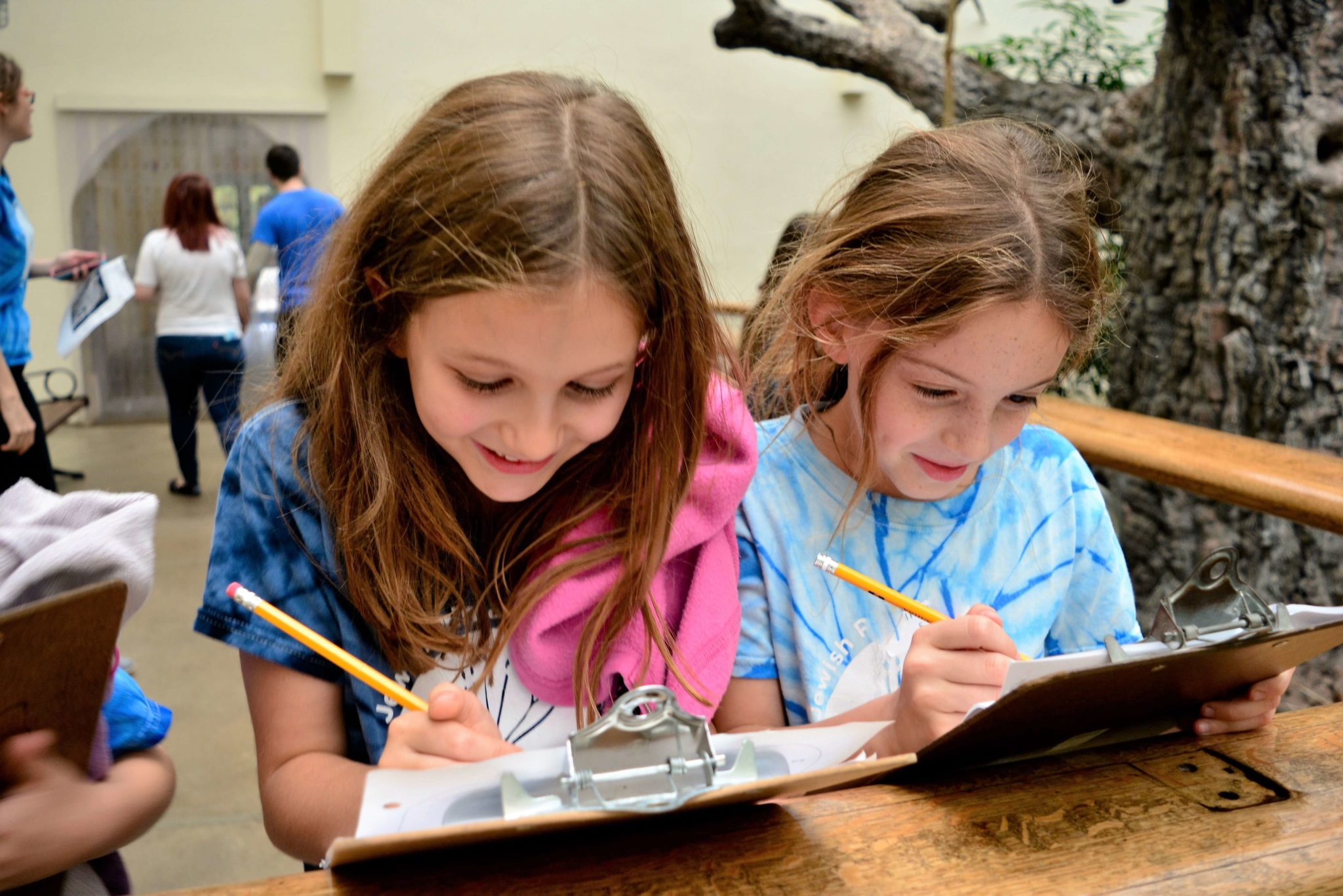 Students Express Experience And Extend Hebrew Learning On Zoo Field Trip