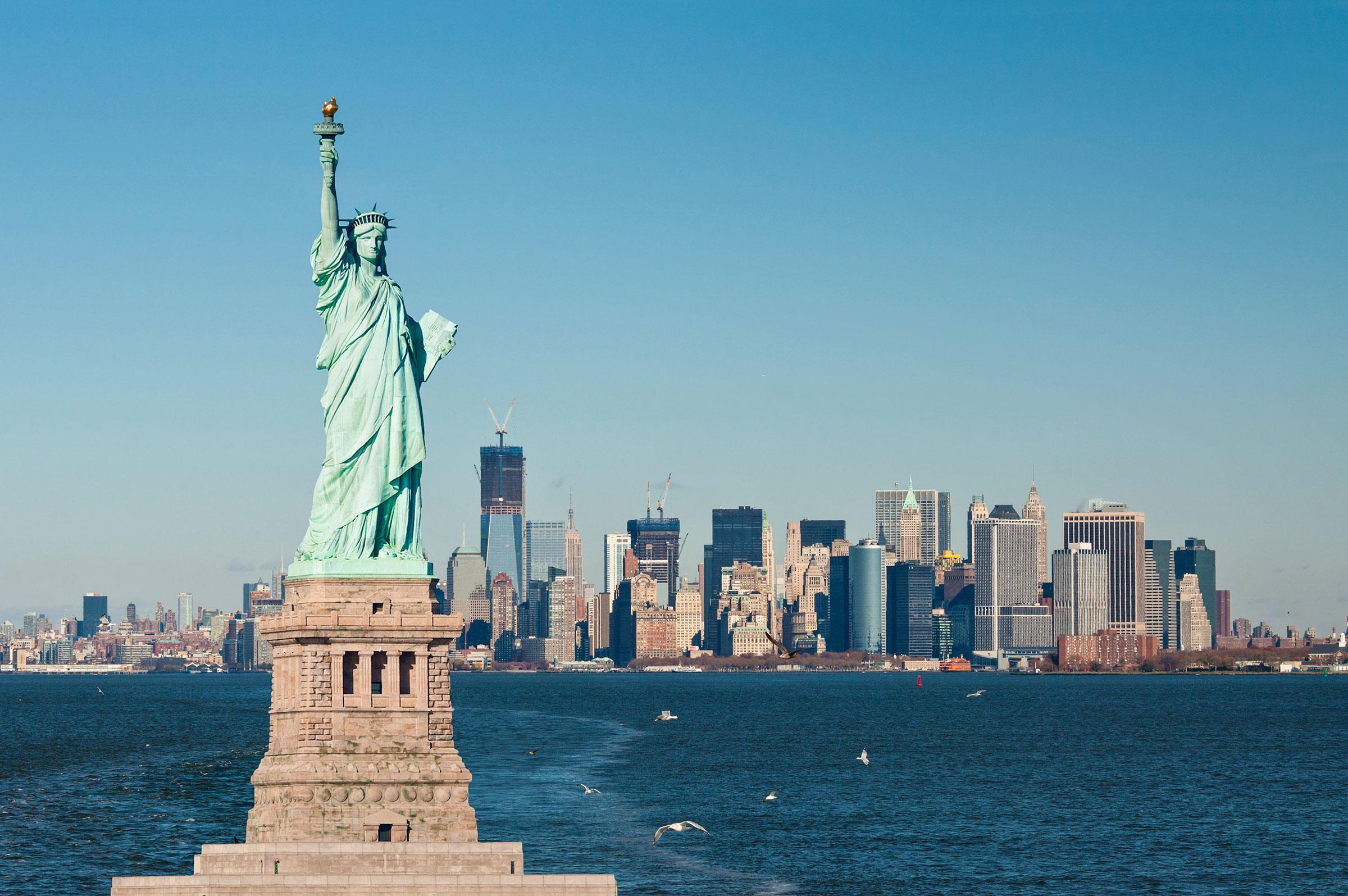 01-statue-of-liberty-facts - JP Gotham Lady