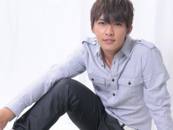 Aaron Yan Discusses Differences Between Fahrenheit & Solo Career