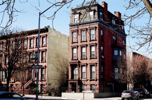 Cobble Hill movers - brown building in Brooklyn