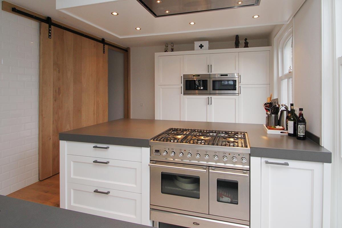 Voor een klassiek houten keuken ga je naar JP Walker in