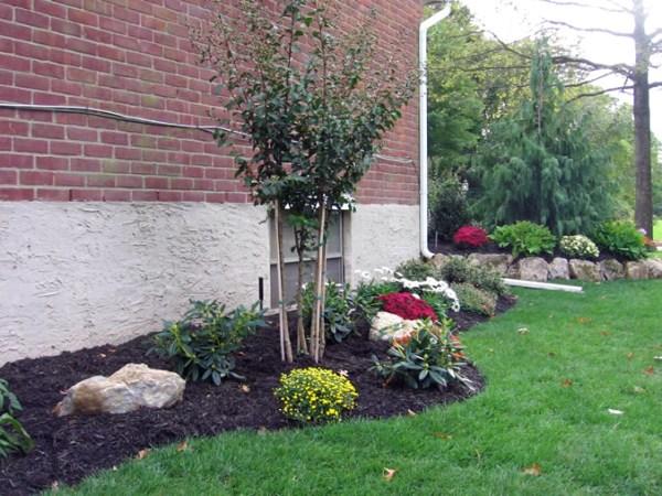 & custom landscaping