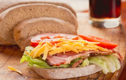 gauteng-food-photographer-business-food-photograph-restaurant-food-photograph-food-photography-session-rye-bread-slice-with-cheese-tomato-pastrami-lettuce