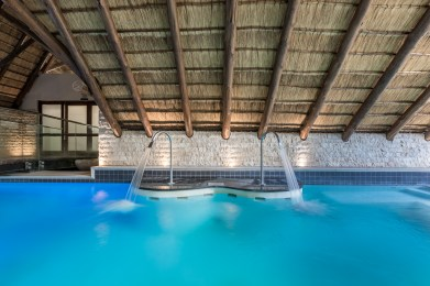 _Sseasons sport and spa spa swimming area double water pumps