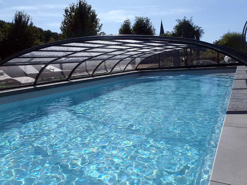 piscine à abri haut