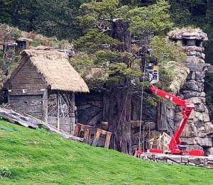 Case Hobbit: la costruzione del set di Hobbiton, a Wakatipu Lake in Nuova Zelanda