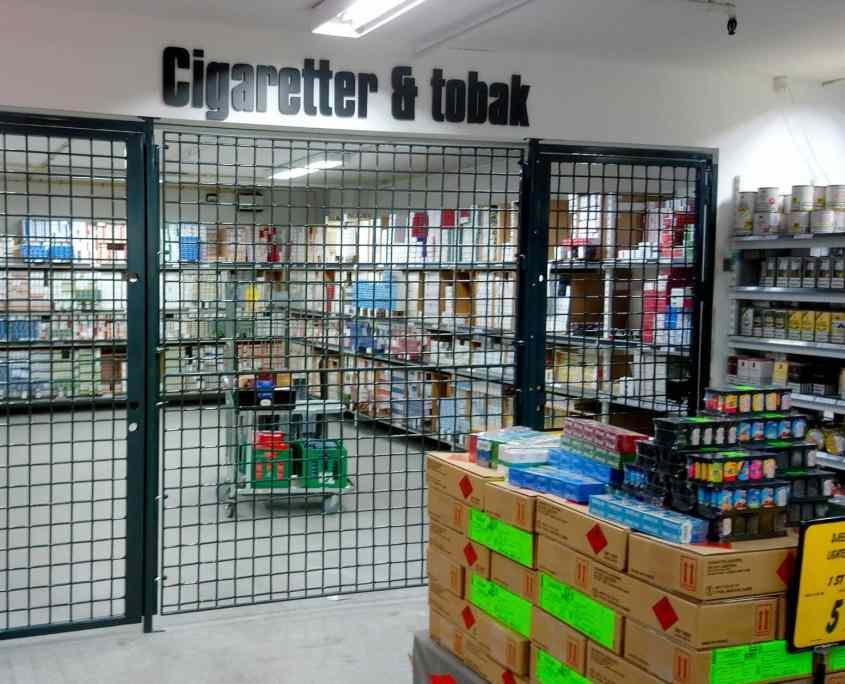 Tyverisikring pressegitter-i-butik-med-cigaretter-og-tobak