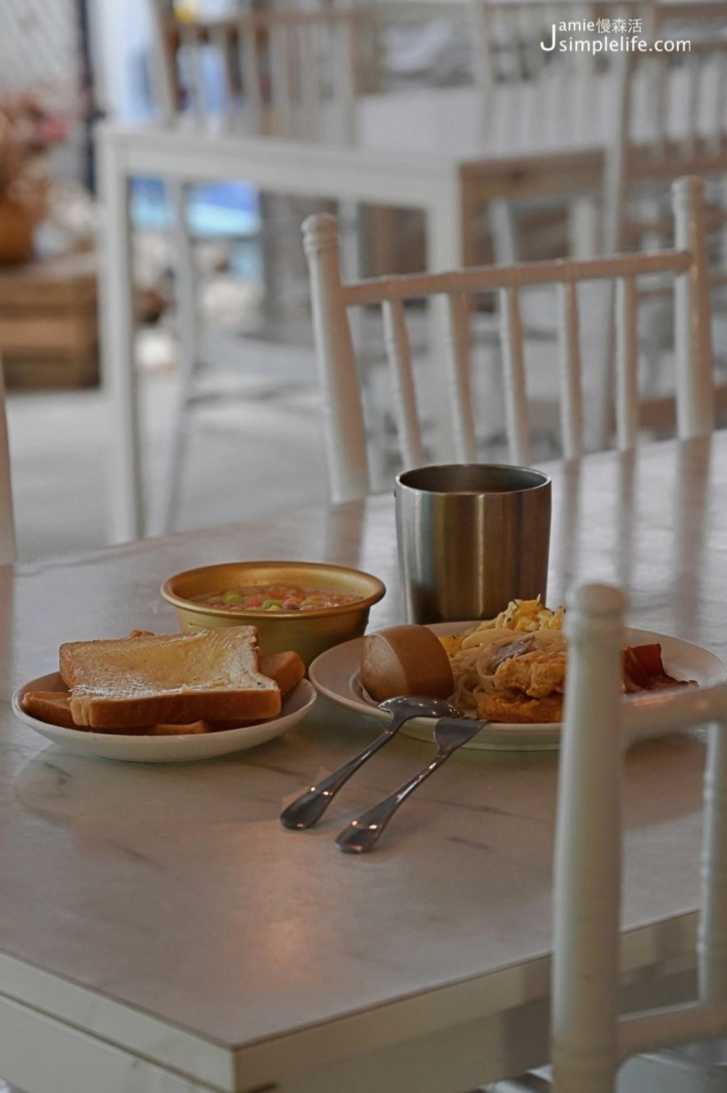 台中向海那漾豪華露營區 餐廳自助吧早餐