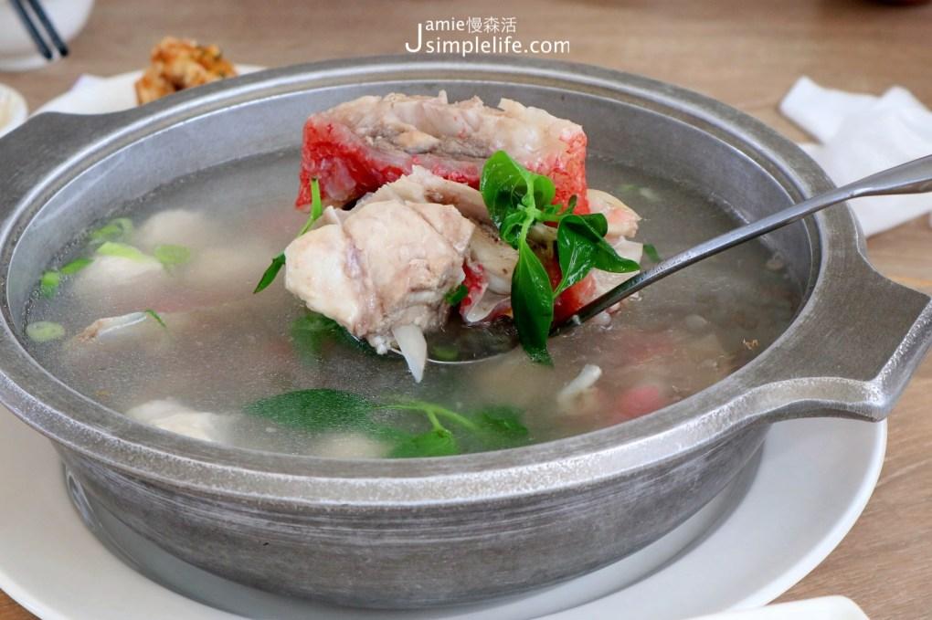 台東成功鎮 漁港邊大啖「旗遇海味」尚青的海鮮 海鮮魚湯