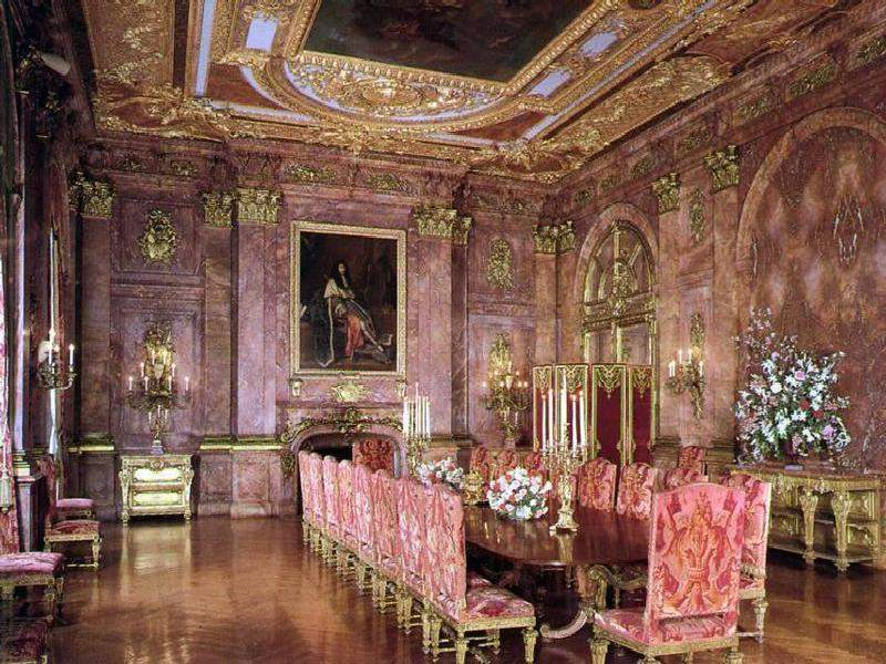 https://i0.wp.com/www.jssgallery.org/Other_Artists/Richard_Morris_Hunt/Marble_House/Marble_House_Dining_Room.jpg