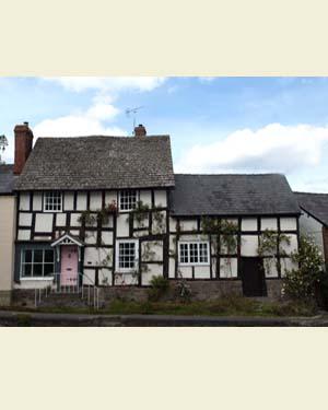 Pembridge Cottages Postcard Front - Ref L13