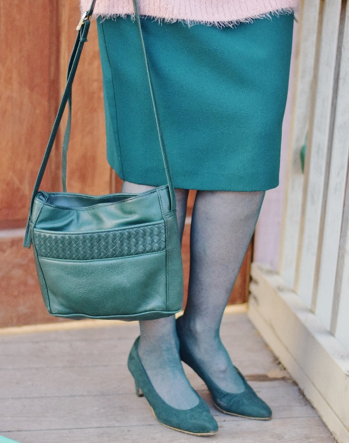 How to create a look with Pink and Green with green tights