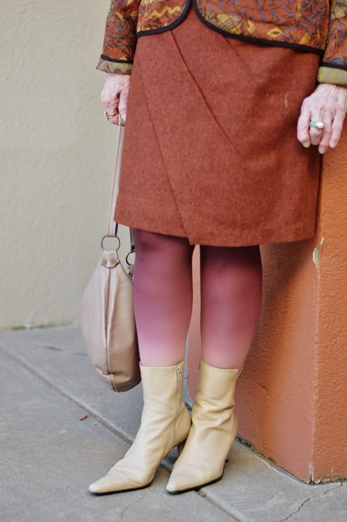 Fun ombre tights with Your colors for a warm color complexion