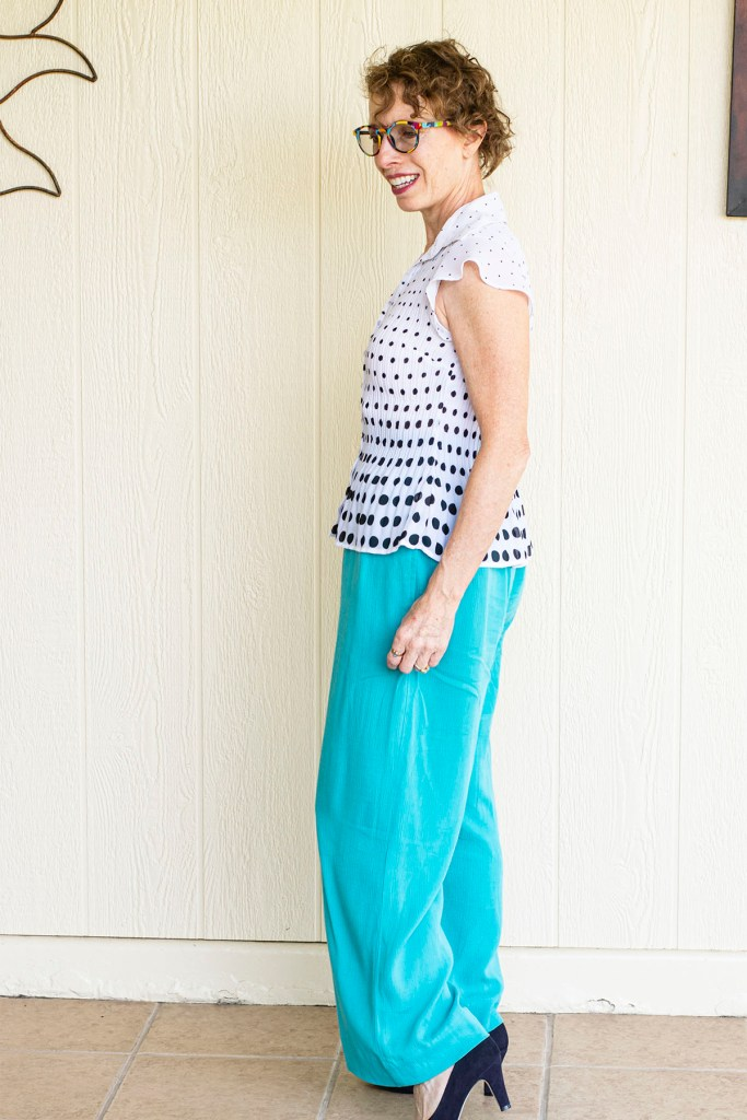 Flared top with wide leg pants for curvy bodies