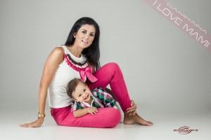 Fotografias de estudio de mamás con hijos
