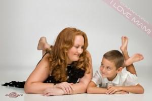 Foto perteneciente a la promocion de mamás con hijos, del Fotografo de Bodas, Juan Almagro, de Jaén I LOVE MAMI