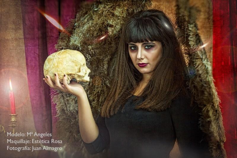 Fotos de la sesion de fotos en estudio Halloween por Juan Almagro, fotografo de Jaén, Granada, Malaga, Cordoba, Almeria ..