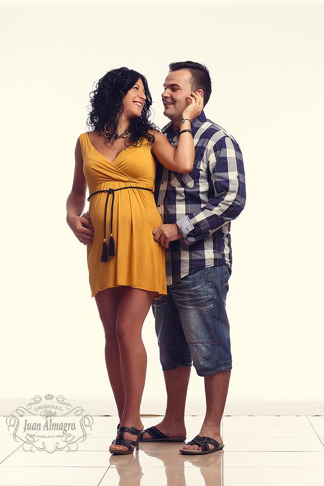fotos de estudio embarazadas, Dedes en Juan Almagro Fotógrafos