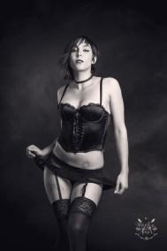 Ana-Rico_boudoir-sesion-intima-personal-fotos-sensual-sexy-juan-almagro-fotografos-jaen-2-1BN